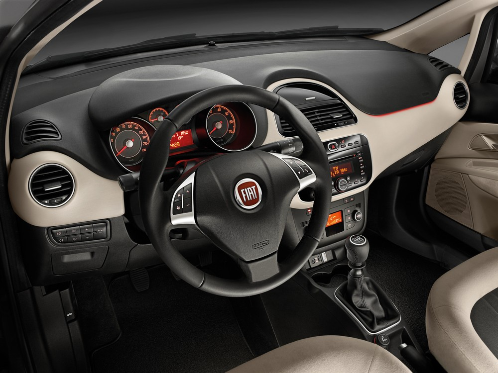 FIAT Linea 2013 — интерьер, фото 1